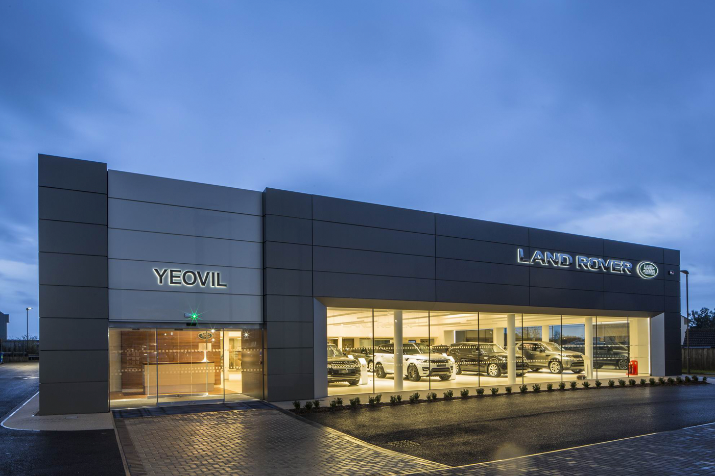 ap new dealerships eagers rover brisbane landrover dealership dowling by land for jlr neil